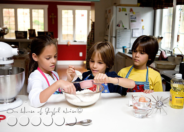 homeschooling-kids-in-the-kitchen-4