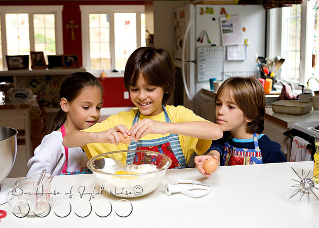 homeschooling-kids-in-the-kitchen-5