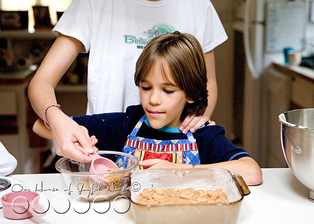 homeschooling-kids-in-the-kitchen-9