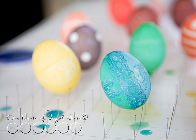 creative-egg-dyeing-ideas-photos-25