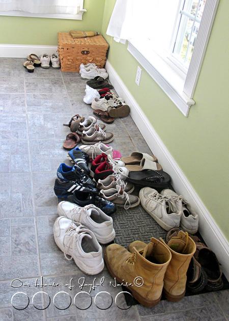 001_shoe-storage-problem