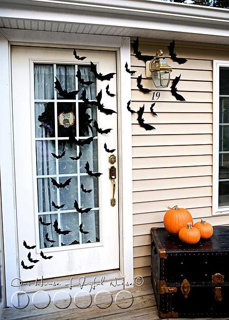 05_halloween-front-door-decor-bats