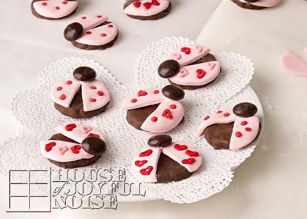 valentine-ladybug-cookies-19