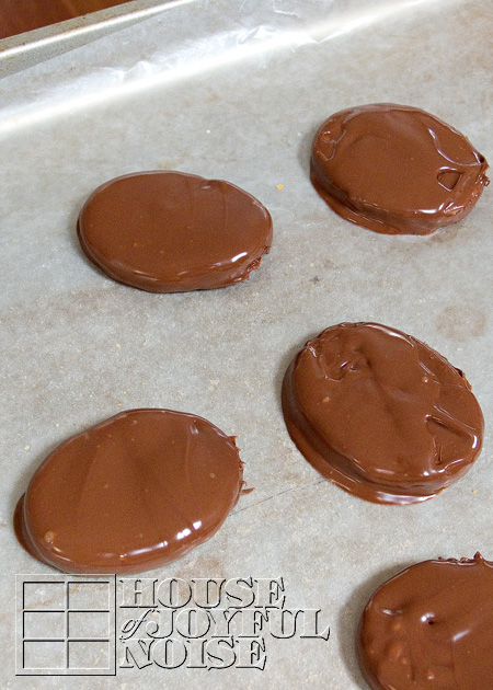 sunbutter-eggs-alternative-to-reeses-peanut-safe-alternative-10