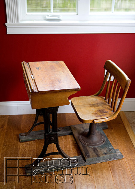 006_antique-vintage-school-desk-kenney-bros-ang-wolkins