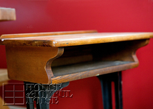 007_antique-vintage-school-desk-kenney-bros-ang-wolkins