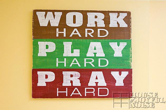 18_work-hard-play-hard-sign